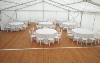 pártystan, podlaha dřevěná, stoly, židle, LED osvětlení, pronájem Štefek (1)