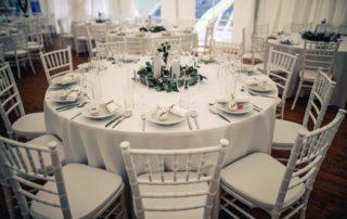 svatební stan s podlahou, světýlky, křišťálovými lustry, nábytkem, pronájem Štefek (3)